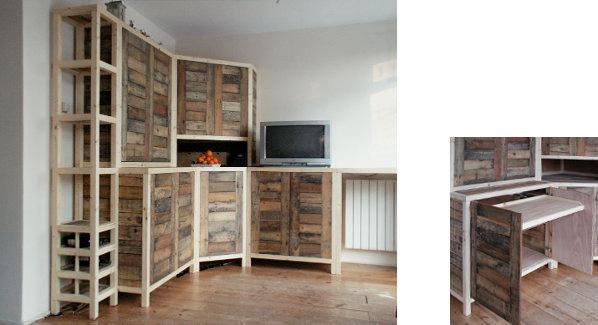 Wandkast van vurenhout en gebruikt pallethout.